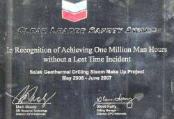 Penghargaan 2006Clear Leader Safety AwardChevron 2077
